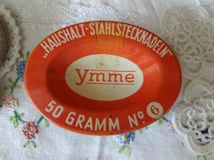 Duits Speldenblikje Ymme